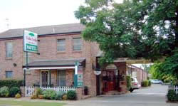 Cedar Lodge Motel - Lightning Ridge Tourism