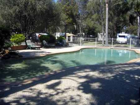 Lighthouse Beach Holiday Village - Lightning Ridge Tourism