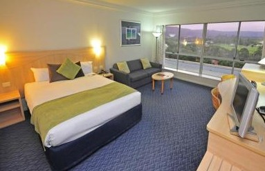Novotel Northbeach - Lightning Ridge Tourism