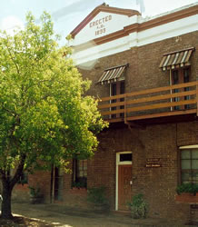 The Old Exchange Bed And Breakfast - Lightning Ridge Tourism