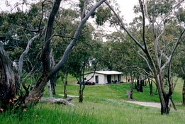 Clare Valley Cabins - Lightning Ridge Tourism