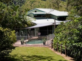 Tranquility on the Daintree - Lightning Ridge Tourism