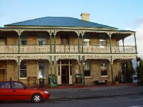 Richmond Arms Hotel - The - Lightning Ridge Tourism