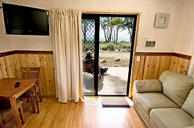 Captain James Cook Caravan Park - Lightning Ridge Tourism