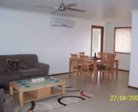 Shoalhaven Serviced Apartments - Keft Avenue - Lightning Ridge Tourism