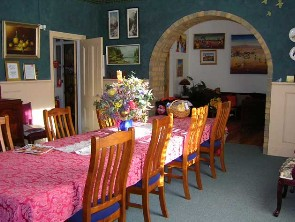 Broken Hill Caledonian Bed and Breakfast - Lightning Ridge Tourism