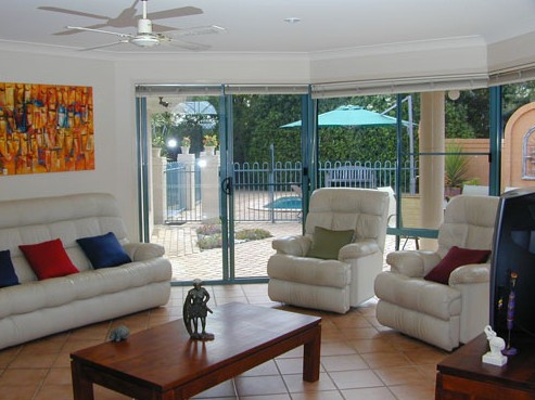Golden Cane Bed and Breakfast - Lightning Ridge Tourism
