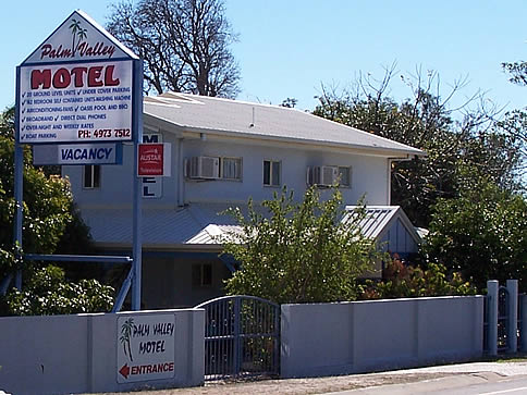 Palm Valley Motel and Self Contained Holiday Units - Lightning Ridge Tourism