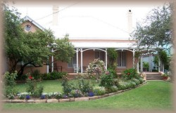 Guy House Bed and Breakfast - Lightning Ridge Tourism