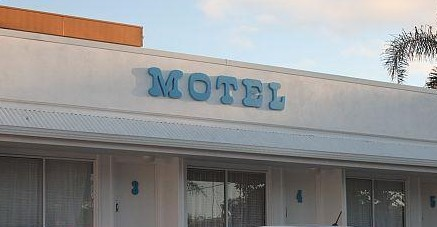 Broad Shore Motel - Lightning Ridge Tourism