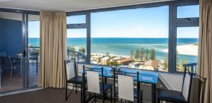 Centrepoint Holiday Apartments Caloundra - Lightning Ridge Tourism