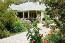 Locheilan Bed and Breakfast - Lightning Ridge Tourism