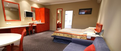Best Western A Trapper's Motor Inn - Lightning Ridge Tourism