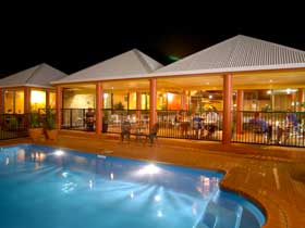 Reef Resort - Lightning Ridge Tourism