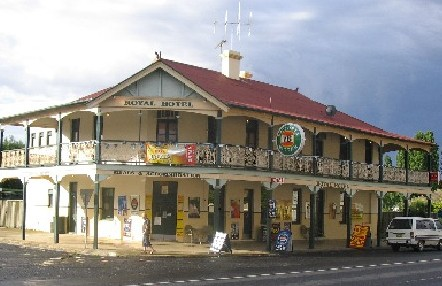Royal Hotel Mandurama - Lightning Ridge Tourism