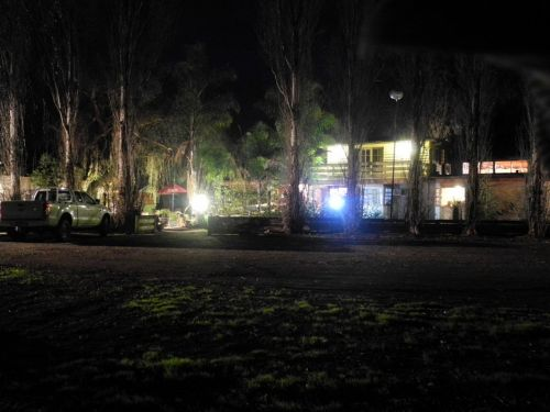 happydays accommodation Motor Inn - Lightning Ridge Tourism