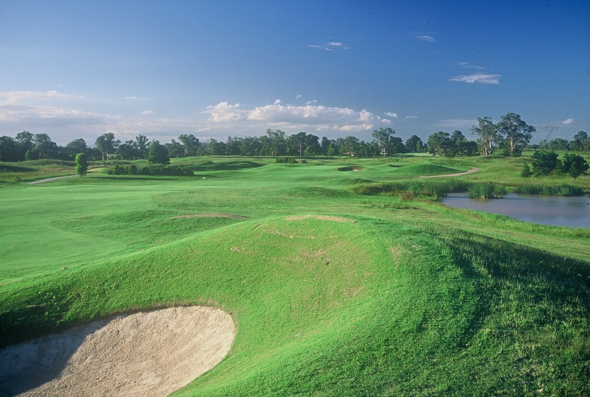 Camden Valley Country Club - Lightning Ridge Tourism