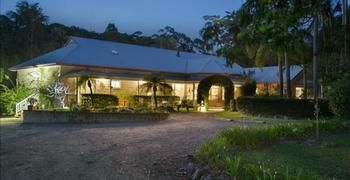 Noosa Valley Manor BampB Retreat - Lightning Ridge Tourism