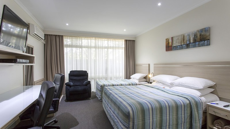 BEST WESTERN Aspen and Apartments - Lightning Ridge Tourism