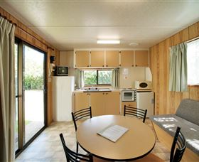 Burnie Holiday Caravan Park - Lightning Ridge Tourism