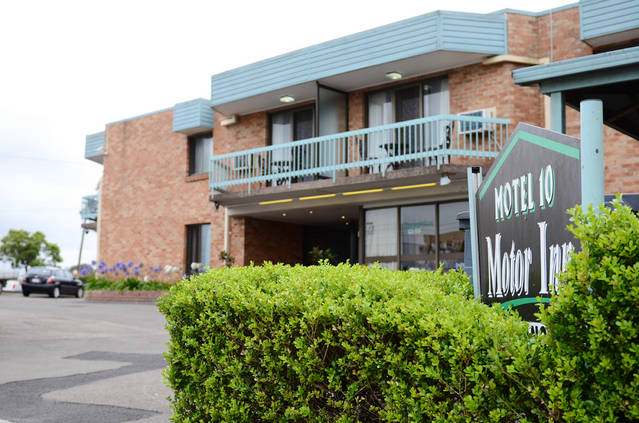 Motel 10 - Lightning Ridge Tourism