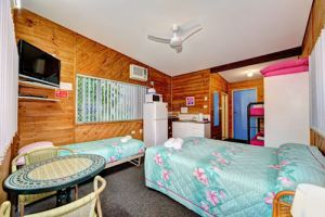 Bargara Gardens Motel and Holiday Villas - Lightning Ridge Tourism