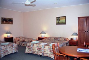 Nowra Motor Inn - Lightning Ridge Tourism