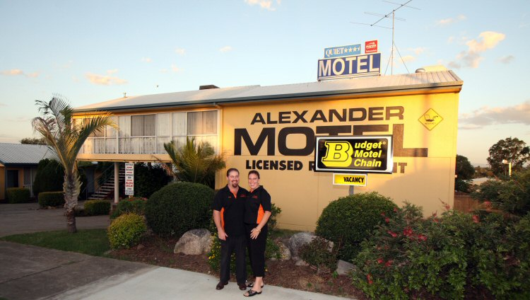 Alexander Motel - Lightning Ridge Tourism