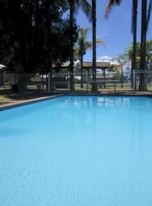 Motto Farm Motel - Lightning Ridge Tourism