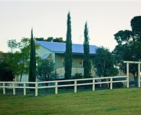 Milford Country Cottages - Lightning Ridge Tourism
