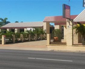 Econo Lodge Fraser Gateway - Lightning Ridge Tourism