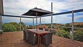 Coral Sands Seaview Beach House - Lightning Ridge Tourism