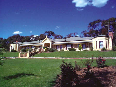 Brice Hill Country Lodge - Lightning Ridge Tourism