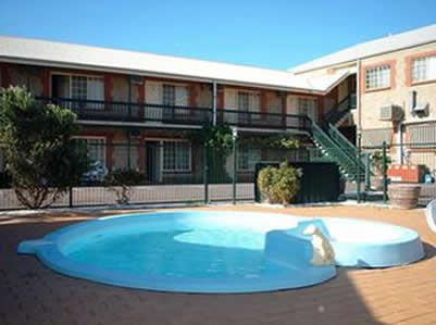 Goolwa Central Motel And Murphys Inn - Lightning Ridge Tourism