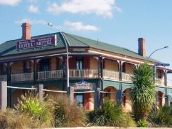 Streaky Bay Hotel Motel - Lightning Ridge Tourism