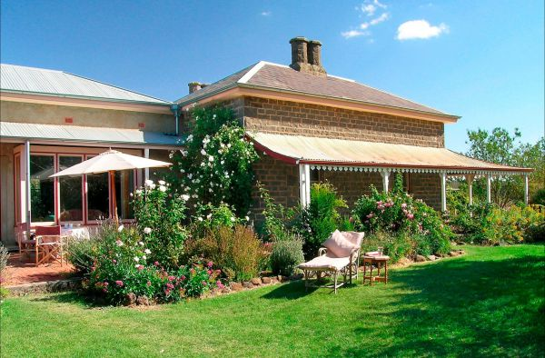 Lochinver Farm Homestead and Cottages - Lightning Ridge Tourism