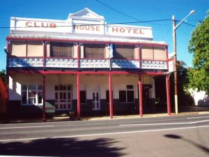 Club House Hotel - Lightning Ridge Tourism