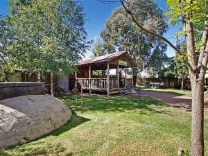 Boorowa Hotel - Lightning Ridge Tourism