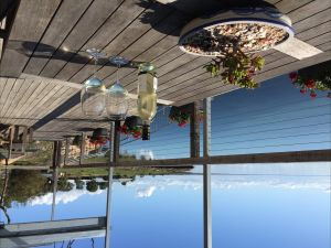 Doi's Ocean Front Apartment - Lightning Ridge Tourism