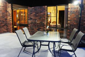 Bed and Breakfast at Kiama - Lightning Ridge Tourism