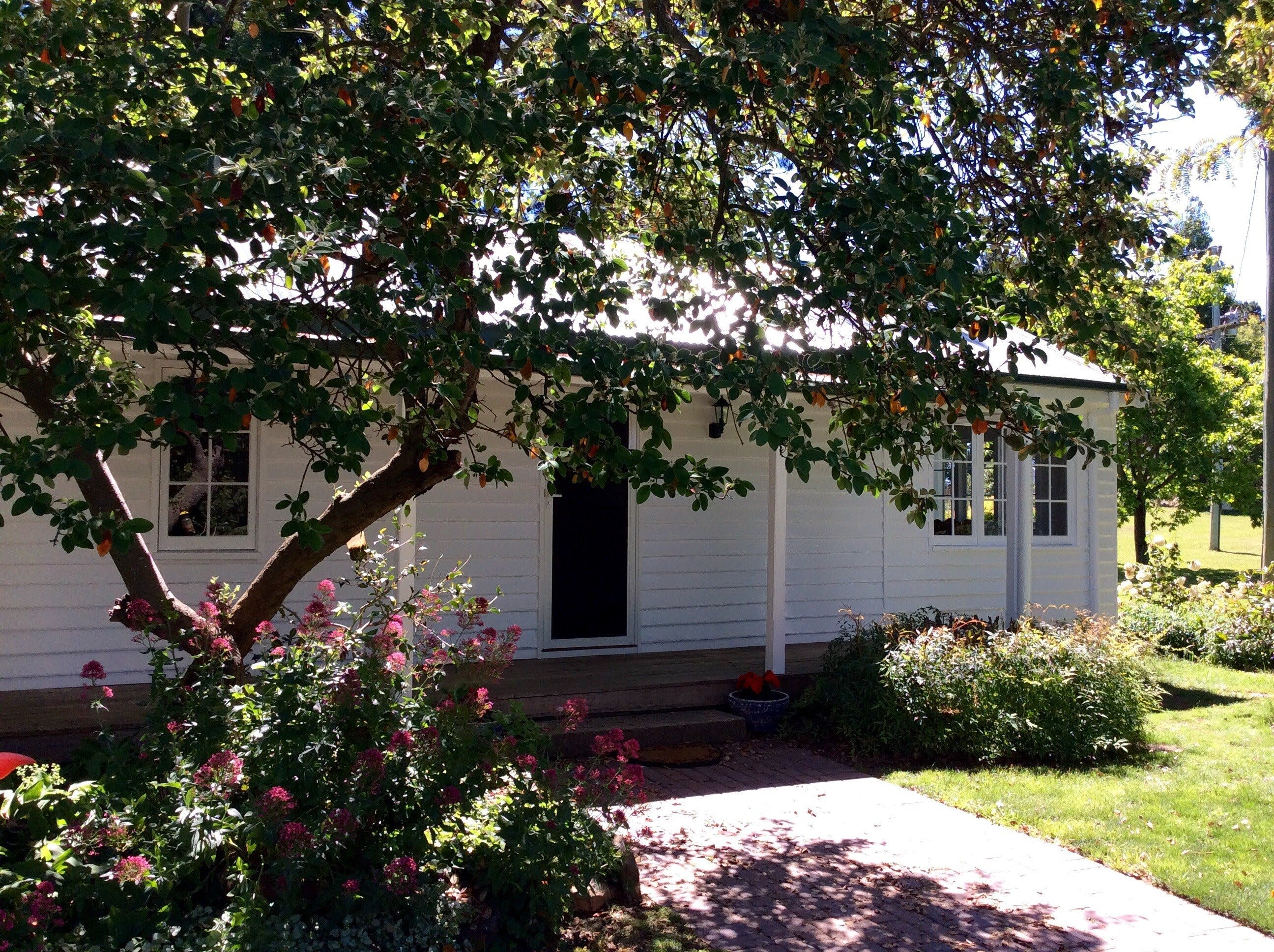 Cairnie Country Cottage - Lightning Ridge Tourism