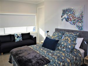 Coolah Shorts - Self Contained Apartments - Lightning Ridge Tourism