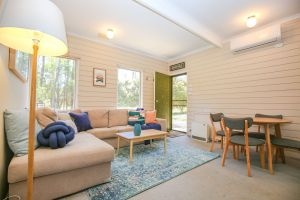 Hylander Holiday Unit - Lightning Ridge Tourism