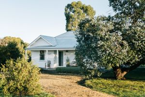 Salt Creek Cottage - Lightning Ridge Tourism