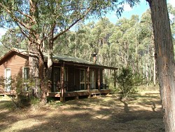 Werriberri Lodge - Lightning Ridge Tourism