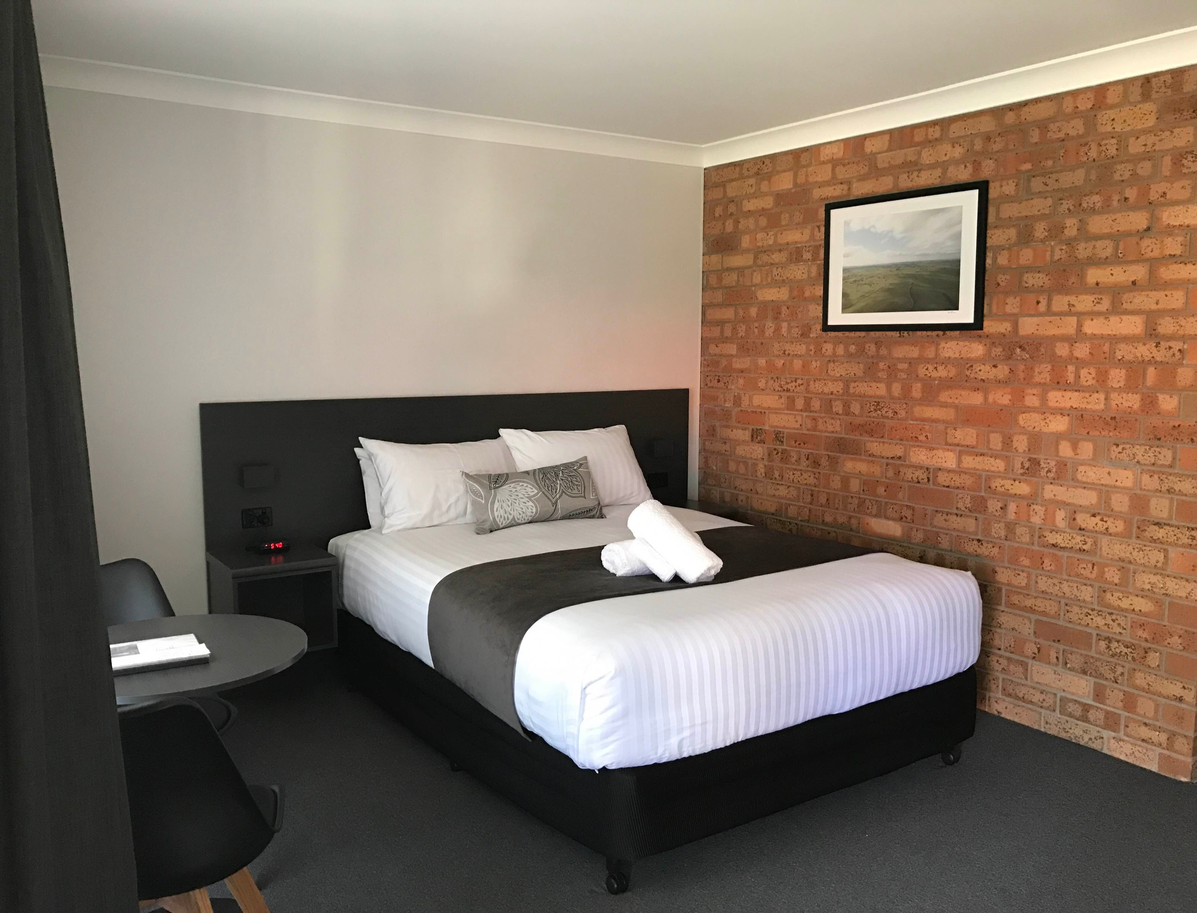 Upland Pastures Motel - Lightning Ridge Tourism