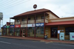 Victoria Hotel Port McDonnell - Lightning Ridge Tourism