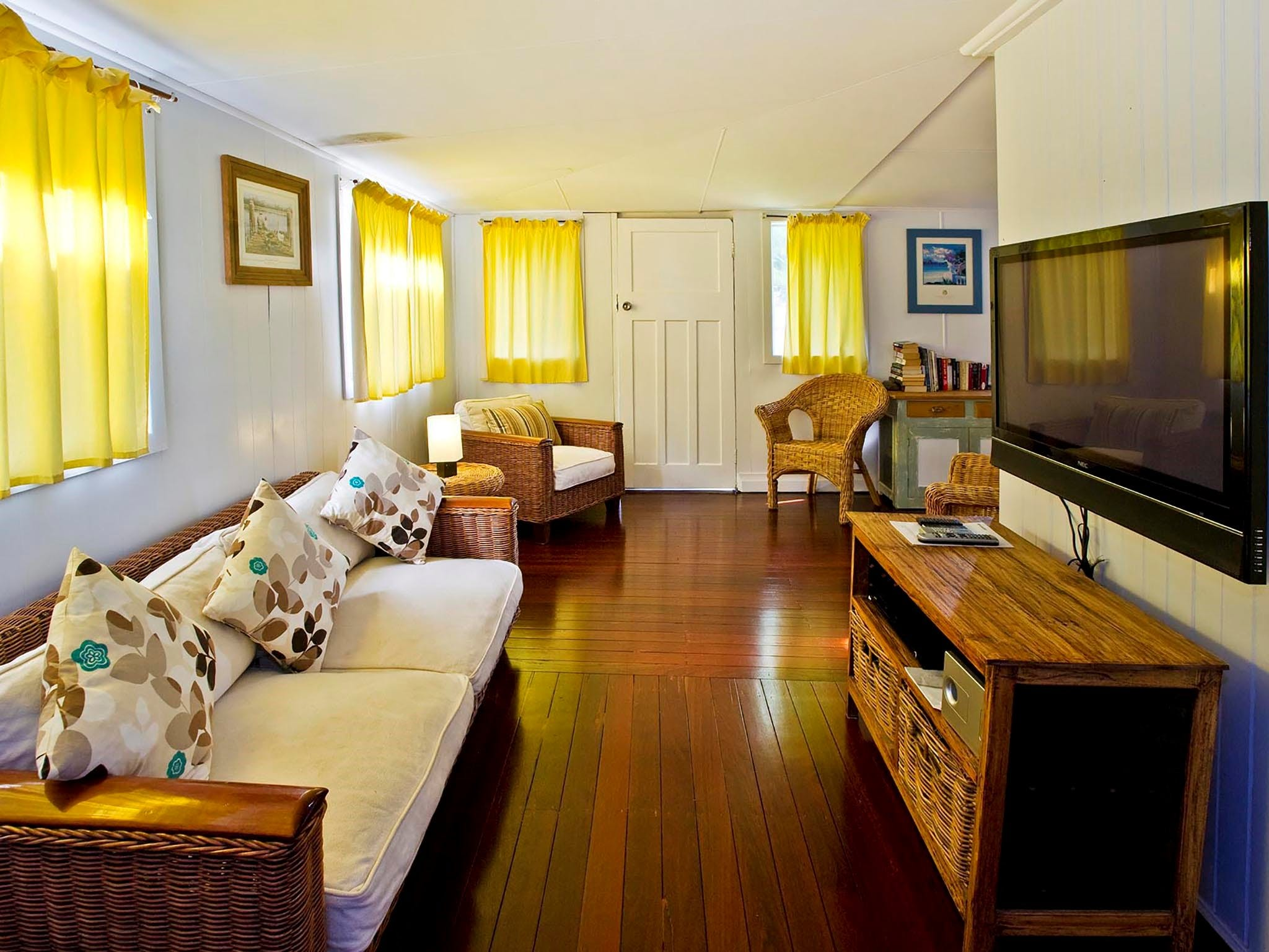 Blue River Shack - Lightning Ridge Tourism