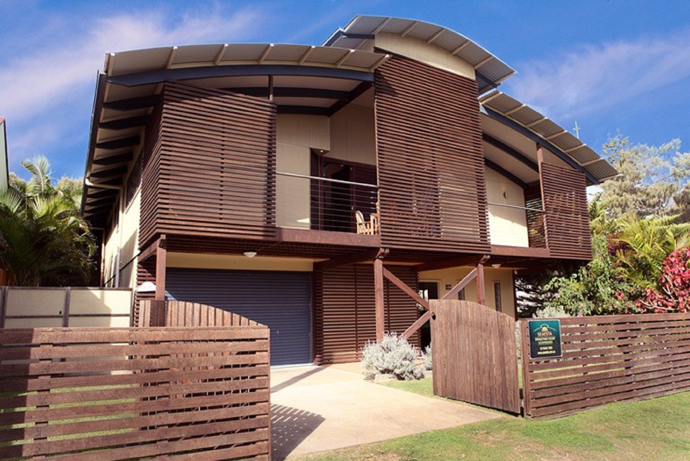 Seaesta Holiday Home - Lightning Ridge Tourism