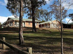 Mansfield Country Resort - Lightning Ridge Tourism